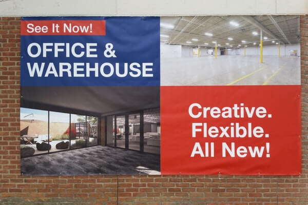 Advertising Commercial spaces with Vinyl Banners