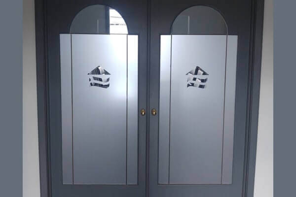 Double Frosted Doors
